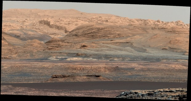 Part of the Bagnold Dunes are visible in the lower portion of this white-balanced image from sol 1115 (Sep. 25, 2015). Image Credit: NASA/JPL-Caltech/MSSS