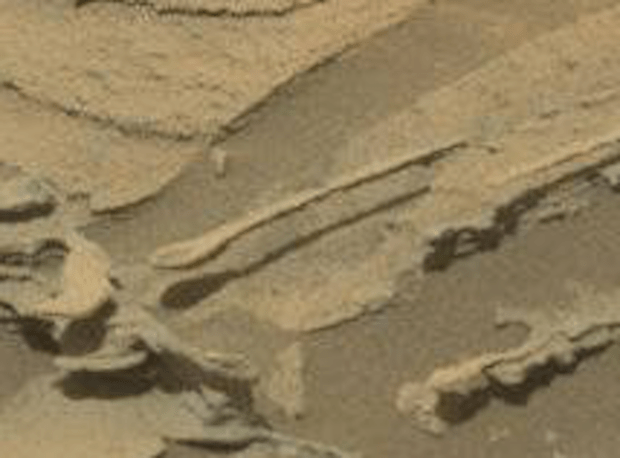 """Spoon"" #1 seen by Curiosity on sol 1089. Photo Credit: NASA/JPL-Caltech/MSSS"