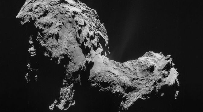 The comet 67P / Churyumov - Gerasimenko, seen by Rosetta. © ESA