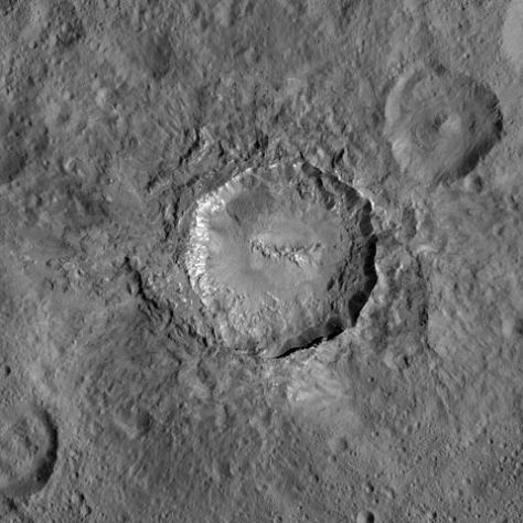 The crater Haulani, seen by <i>Dawn</i>. © NASA / JPL-Caltech / UCLA / Max Planck Institute for Solar System Studies / German Aerospace Center / IDA / Planetary Science Institute