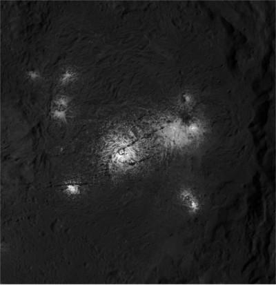 Vinalia Faculae © NASA/JPL-Caltech/UCLA/MPS/DLR/IDA/PSI
