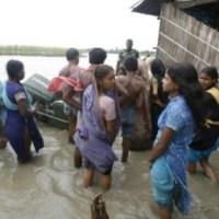 Les inondations continuent en Asie du Sud