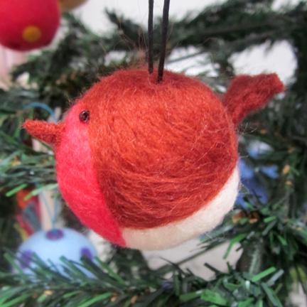 needlefelt robin decoration