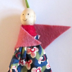 Dolly Peg Dolls - shawl