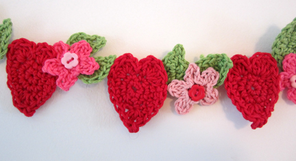 hearts and flowers bunting detail