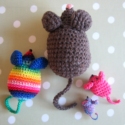 four sizes of crochet mouse