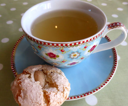 Tea and Almond Macaroons