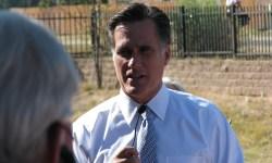 Mitt_Romney_Steve_Pearce_event_018