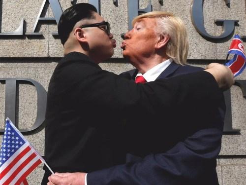 trump kim kiss