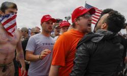trump-rally shouting