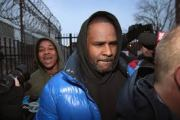 R. Kelly Released From Jail After Paying $100,000 Bond!