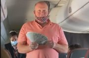 Dude Hands Out $100 Bills To Everyone After They Landed!