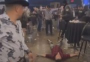 [:en]Did Him Wrong: Lil Man Gets Knocked Out With A Mean Uppercut & Then Thrown Out The Club Like Trash![:]