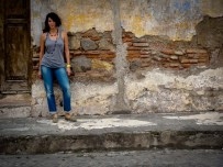 Travel Photo: Guatemala - Jess in Front of a Wall in Antigua