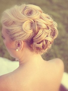 Indian bridal hairstyles updo's 29
