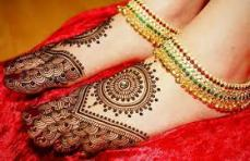 Mehendi designs for feet 12