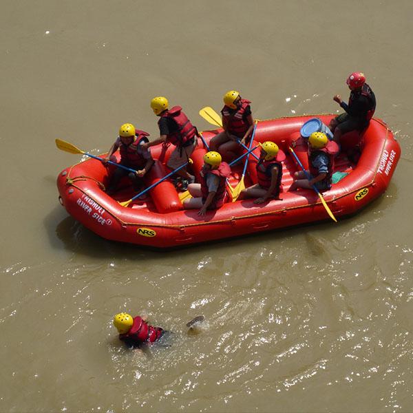 P1030147 rafting trishuli bishaltar QUAD