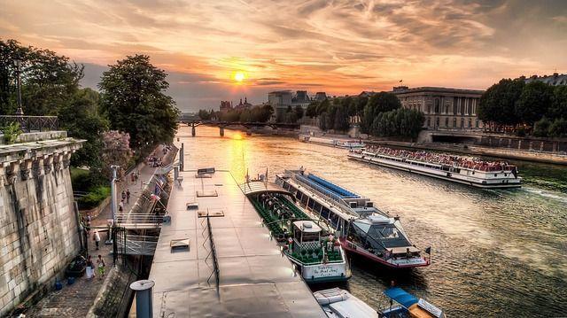 Paseo en barco por el Sena 1