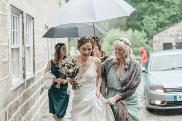 A Topshop Wedding Dress, Dried Flower Bouquet & Street Food, for a Sustainable & Environmentally Friendly Wedding