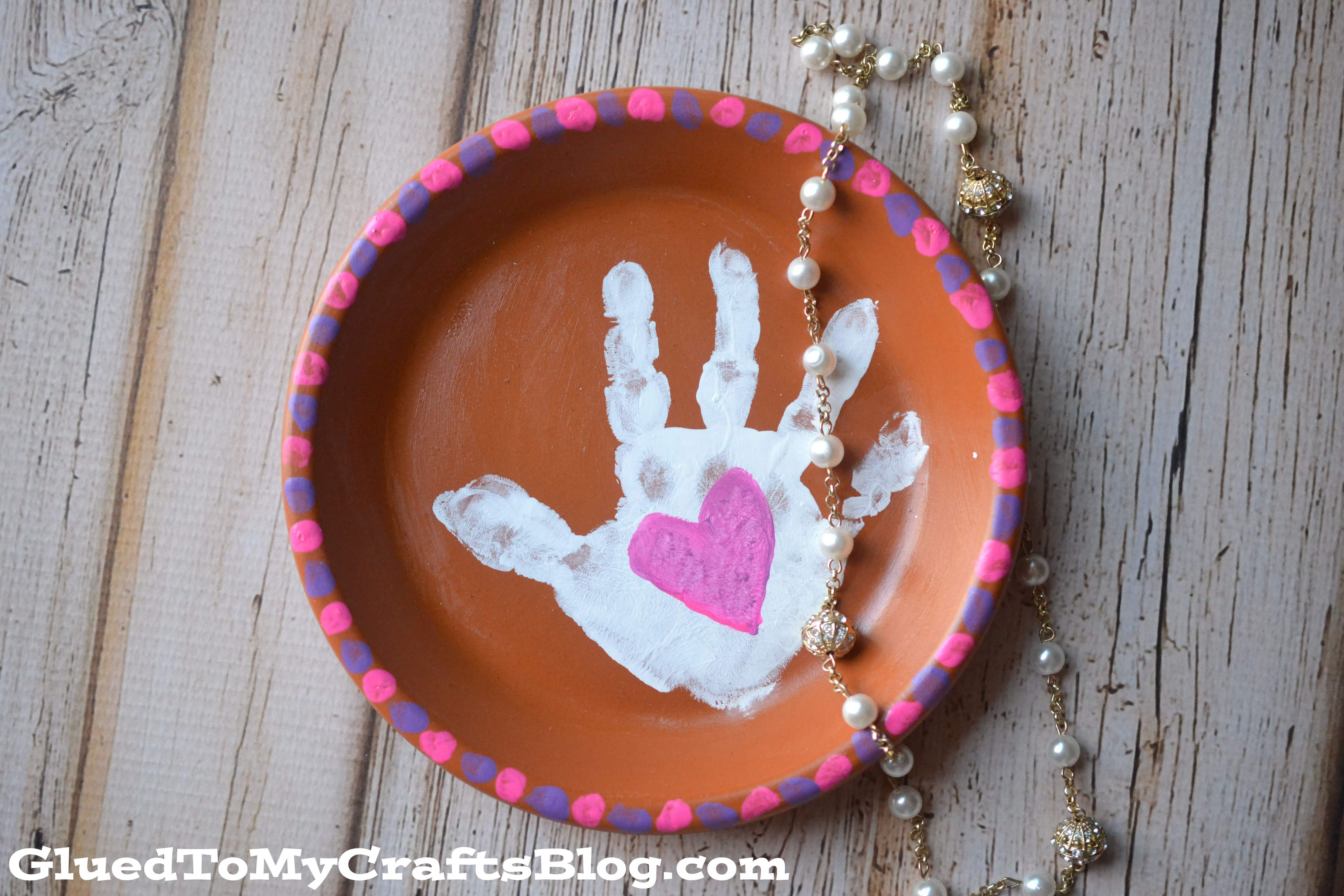 Handprint Plate Mother's Day gift that kids can make.