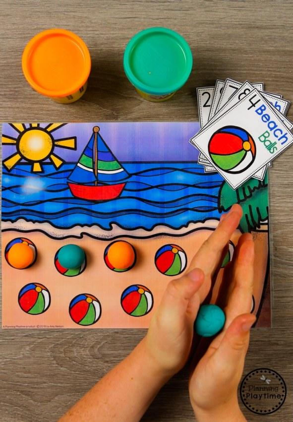 Beach Ball Counting - Preschool math Activity for Summer #preschool #summerpreschool #preschoolprintables #preschoolcenters #planningplaytime #counting
