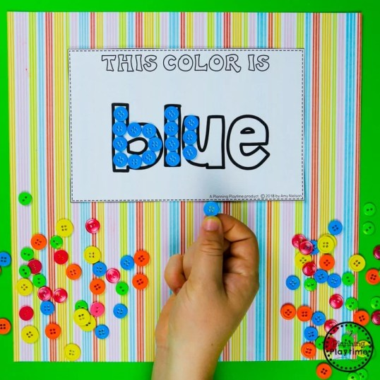 Preschool Color Word Collages - with shredded paper or buttons #preschool #colorrecognition #planningplaytime