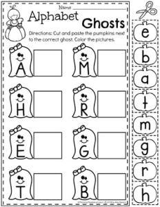 Alphabet Ghosts Letter Matching - Preschool Halloween Worksheets #halloweenworksheets #preschoolworksheets #planningplaytime