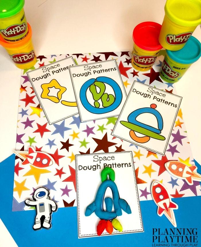 Patterns Activity for Preschool - Space Theme Playdough Patterns #spacetheme #preschoolworksheets #preschoolactivities #preschoolprintables #planningplaytime #preschoolpatterns