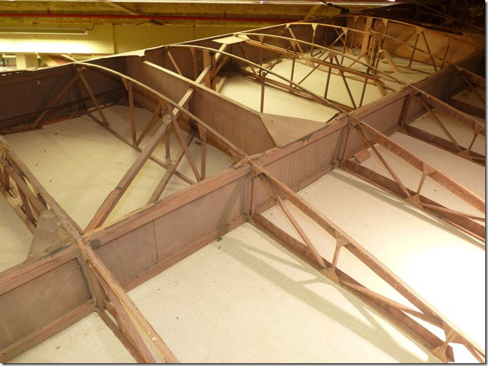 SG 38 grenier de l'aviation Nantes detail nervure aile