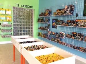 Bricks & Minifigs LEGO