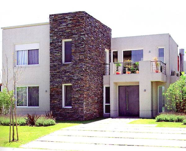 16 fachadas de casas con piedras planos y fachadas for Fachada de casas modernas con tejas