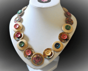 Button necklace 2