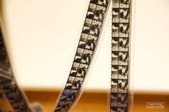 De nombreuses pellicules laissent voir ça et là de nombreuses scènes des films de Charlie Chaplin. © David Trotta