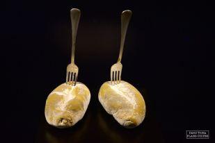 L'improbable chorégraphie des petits pains dans La ruée vers l'or de 1925 a été reproduite en 1993 par Johnny Depp dans Benny and June. © David Trotta
