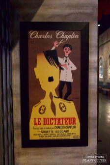 On retrouve notamment plusieurs affiches du film. © David Trotta