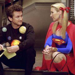 Si Sean Penn croyait suivre la sœur jumelle de Phoebe, c'est bien de cette dernière qu'il tombera amoureux dans la saison 8.
