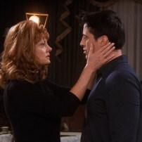 Star de Thelma et Louise, Susan Sarandon apprend à Joey comment embrasser devant la caméra lors de la saison 7.