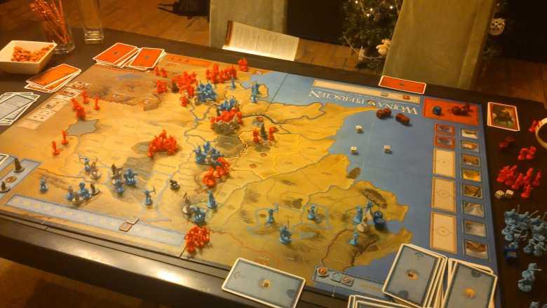 Wojna o Pierścień rozłożona na planszy