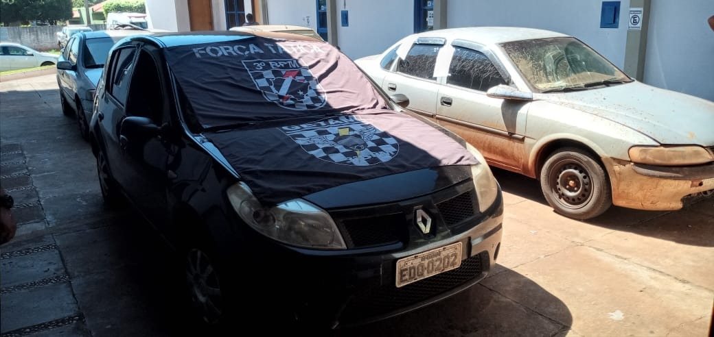 Policiais do 3º BPM apreendem carga milionária na região de Laguna Carapã