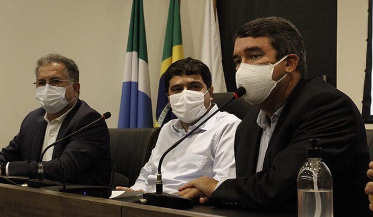 Em evento na Assomasul, Riedel destaca ações de combate à pandemia