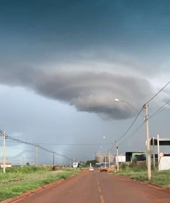 Super célula chamou a atenção de internautas em Maracaju
