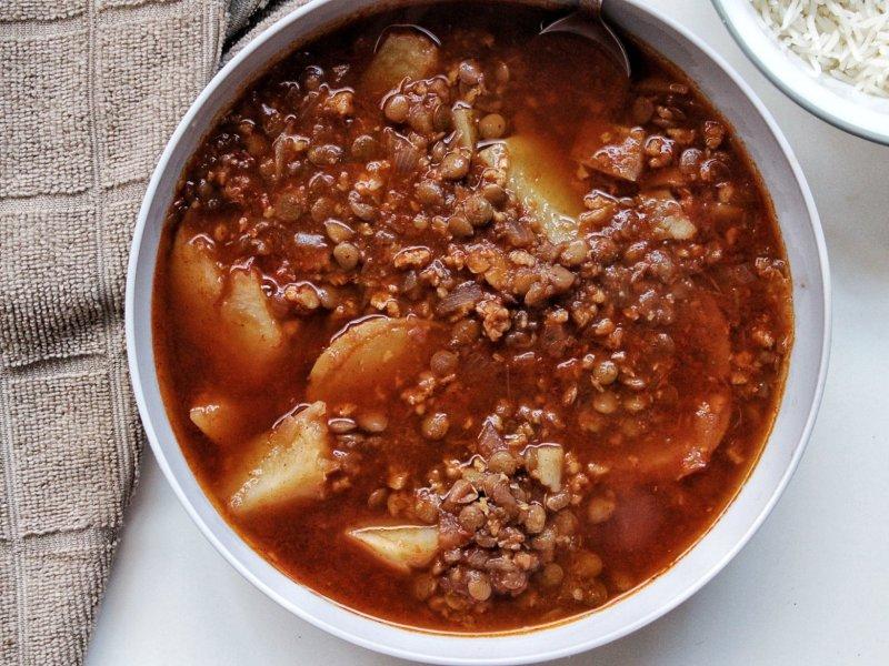 Lnetil potato stew in a bowl