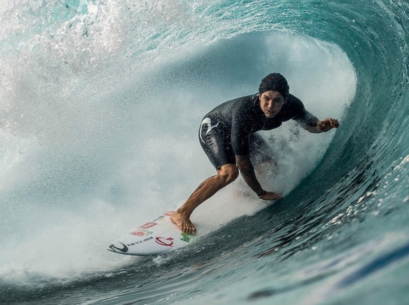 Two-time world champion surfer Gabriel Medina has encouraged his eight million Instagram followers to go vegan after watching the Thrive documentary
