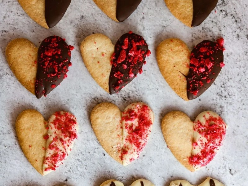 Valentine's Day Dipped Chocolate Cookies