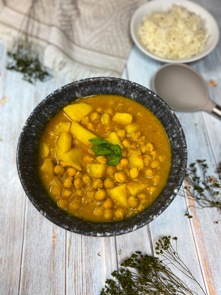 ONE POT CHICKPEA STEW – VEGAN AND GLUTEN FREE