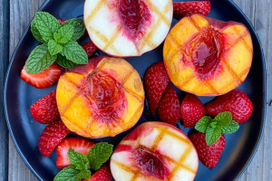 Read more about the article Grilled Nectarines with a Mint Simple