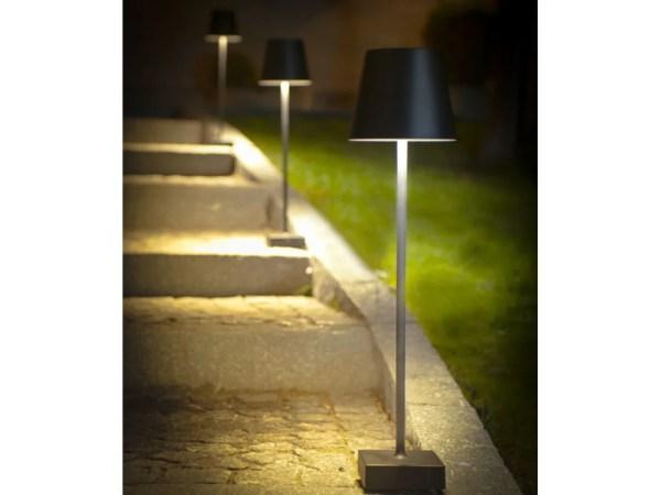 Udendørs standerlampe aften
