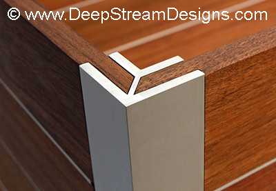 DeepStream's extruded aluminum Mariner planter leg detail