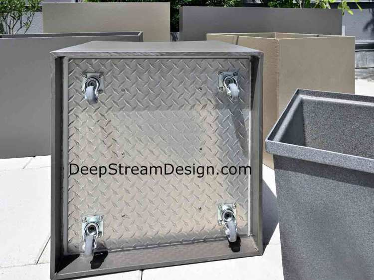 Click to DeepStream's website to see more commercial HDPE planters