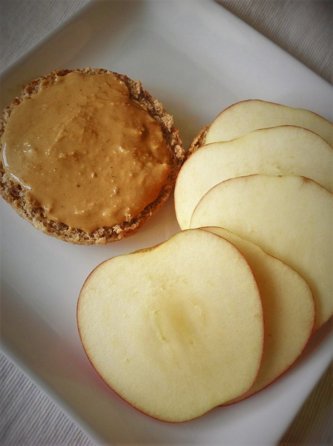 Healthy Vegan Snack in Less Than 5 Minutes: Peanut Butter Apple English Muffin